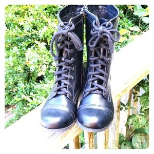 Soda military style boots size 9